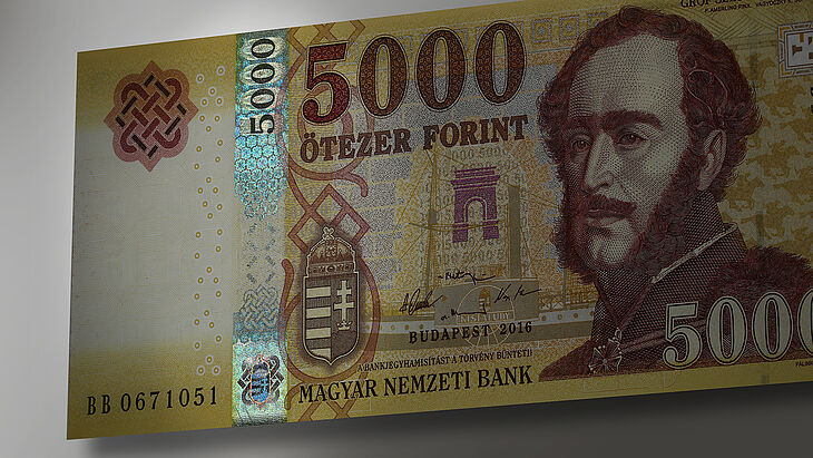 Hungary 5000 Forint with KINEGRAM registered stripe