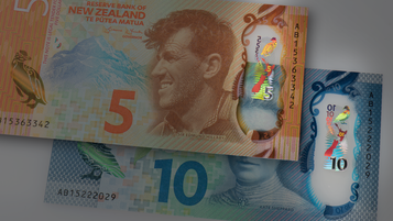 New Zealand 5 and 10 Dollar with KINEGRAM patch