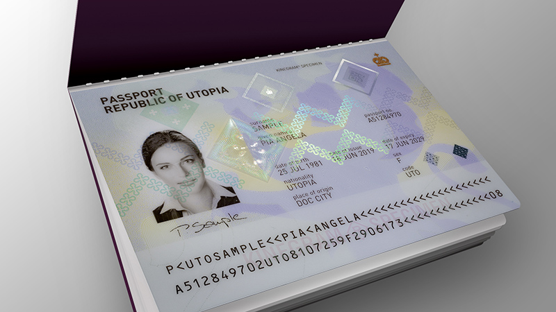 Polycarbonate passport datapage with full data protection